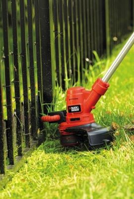 Black-Decker-ST5530-GB-550W-Corded-Grass-Strimmer-0-0